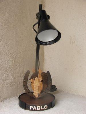 lampes de bureau lampe de bureau cheval pour chambre d. Black Bedroom Furniture Sets. Home Design Ideas