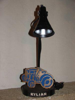 lampes de bureau lampe de bureau tracteur pour chambre d. Black Bedroom Furniture Sets. Home Design Ideas