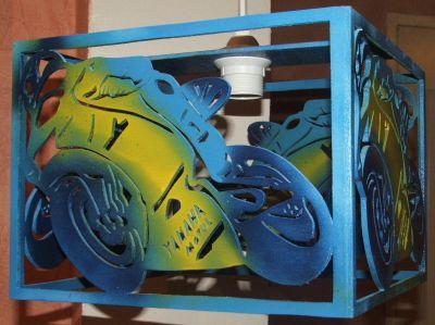 Lustre moto pour chambre d'enfant